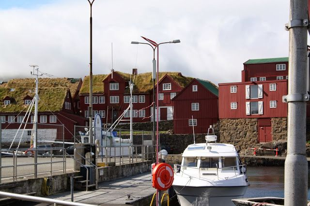 I vesterveg: Torshamn, Færøyane