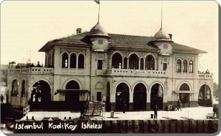 Kadıköy vapur iskelesi 1940'lar.