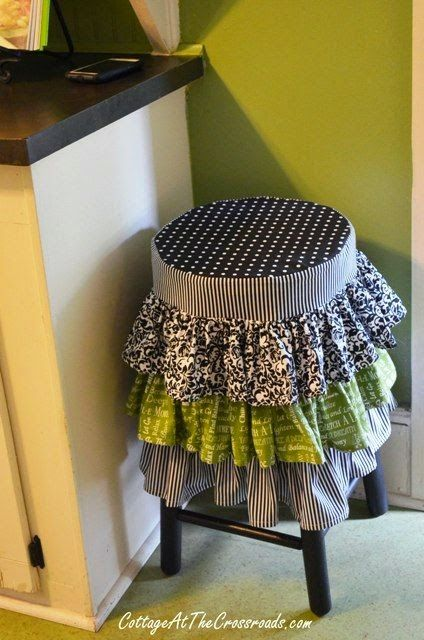 I love, love this ruffled stool cover!!! Darling!
