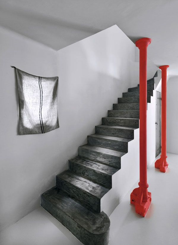 plain, steps, color contrast