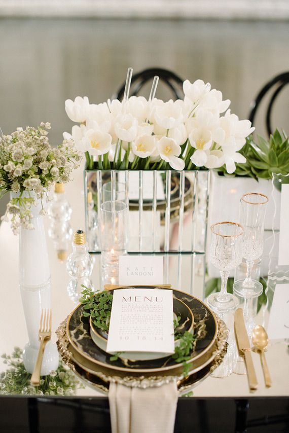 Modern green and white wedding ideas | Photo by Krista Mason Photography | Read more -  http://www.100layercake.com/blog/wp-content/uploads/2015/04/modern-green-black-white-wedding