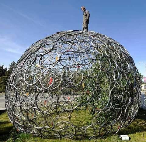 Bike wheel dome
