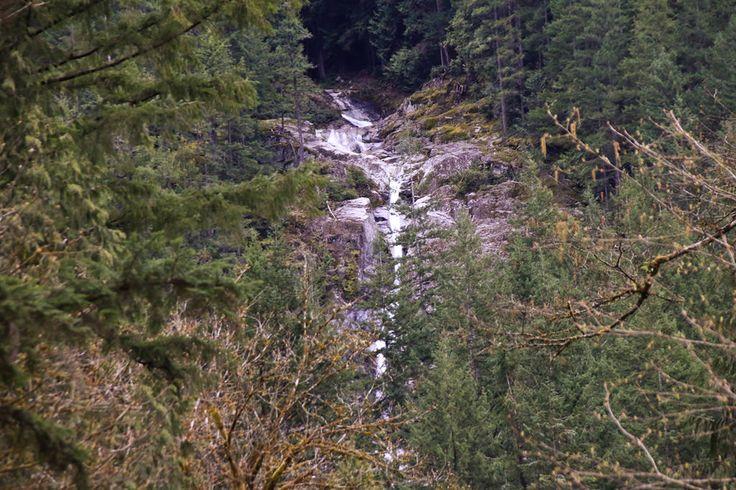Swan Falls: Buntzen lake-  Intermediate, 3.5 hrs, 10km.