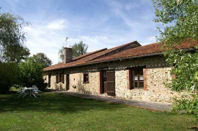 Chambres d'hôtes et gîtes à vendre à 40 km de d'Angoulême