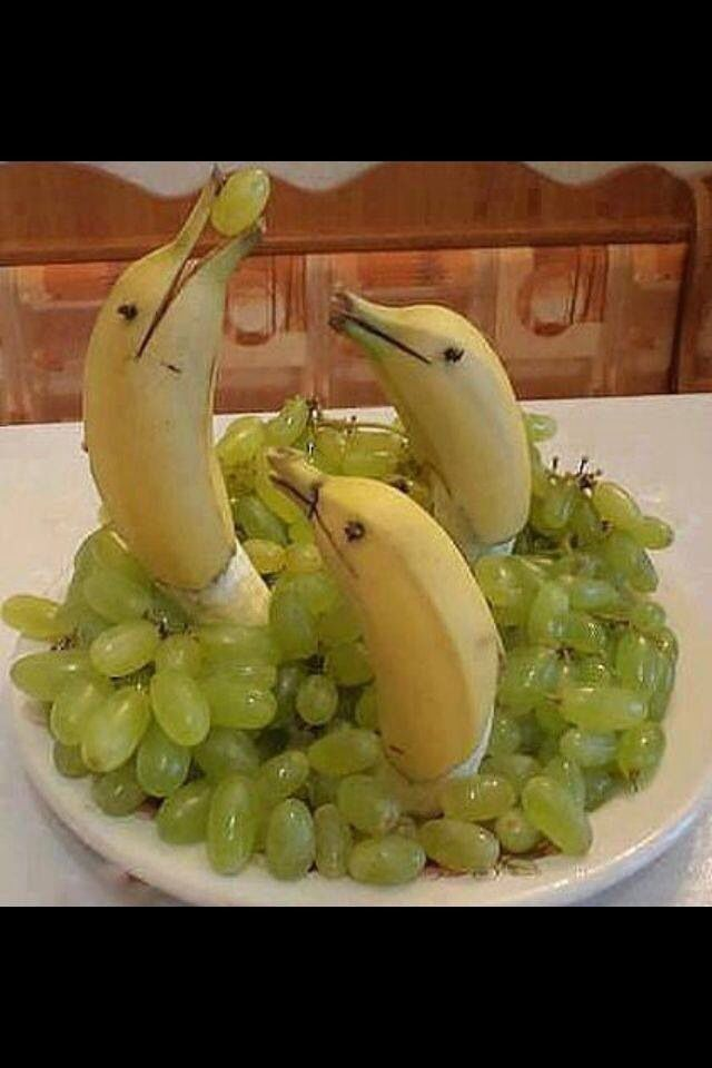 Grapes with dolphin bananas
