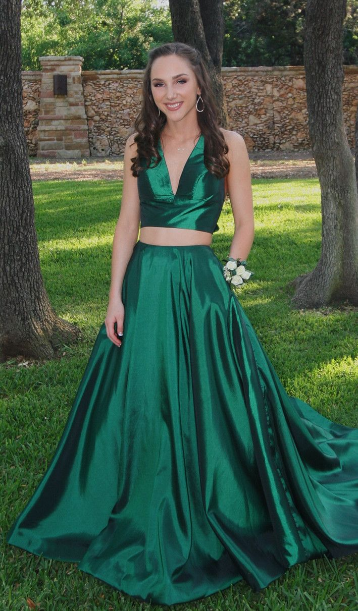 Two Piece Halter Red Long Prom Dress Evening Dress Evening Dresses Prom Green Prom Dress Dresses [ 1211 x 709 Pixel ]