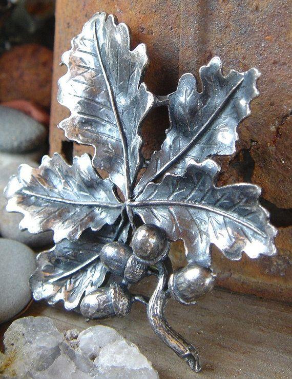 RESERVED LISTING /// Vintage Oak Leaf Acorn Silver Brooch/Pin