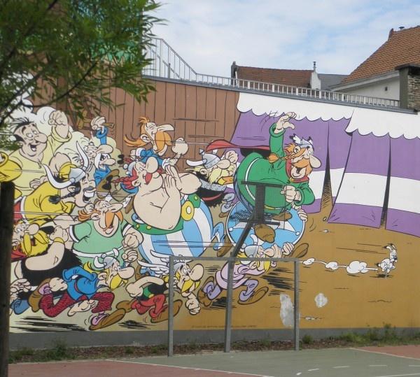 76 best images about ast rix et ob lix on pinterest for Abbey road mural