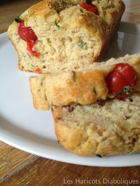Cake au thon et aux tomates cerise
