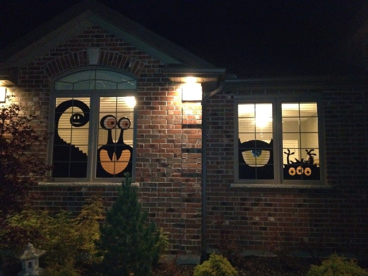 yay i finally did a craft from pinterest halloween silhouettes for the window - Halloween Window Decor