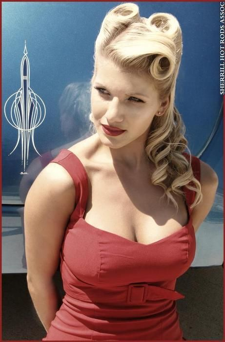 vintage inspired hair, victory rolls, pin curls