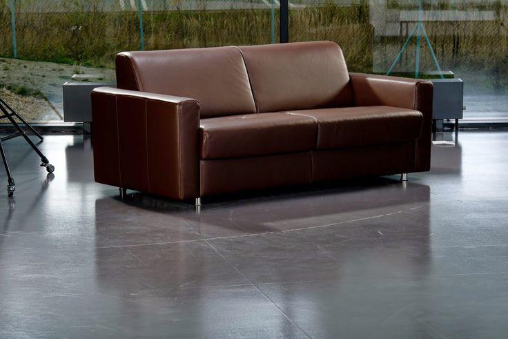 PADOVA Model určený pro trvalé spaní, svými rozměry vhodný i do menších interiérů. Snadnou a jednoduchou manipulací se rozloží tento model na pohodlné dvojlůžko. Možnost volby kovových nebo dřevěných nohou.