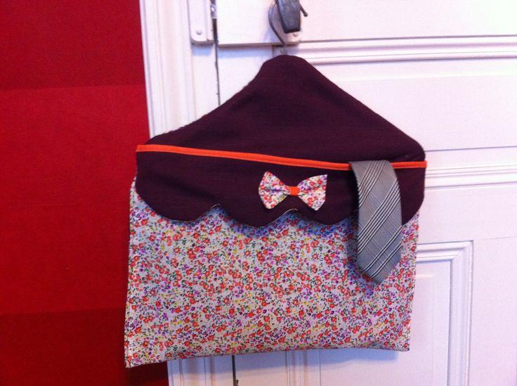 pochette- cintre - pour rangement (cravates, chaussettes, sous vetements, ceintures,...)  http://copain-comme-marie.tumblr.com/