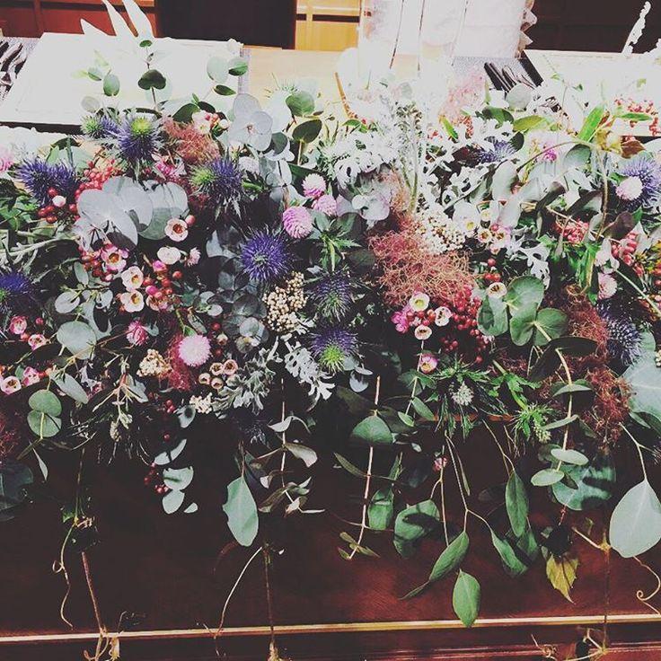 ◎こだわりポイント◎  #高砂  お花、最高にかわいかったです!  私の結婚式打ち合わせ、  ほんまにドレスとお花が大変でした笑  わがままいっぱいいって、 フローリストさん 困らしてしまってたけど、  ほんっまに最高でした!!! 友達もみんな褒めてくれてました!  ありがとうございます♡  ユーカリいっぱいで  高砂からこぼれ落ちるかんじ  むらさきっぽい ピンクっぽい  お花たち・・・ ぜーんぶ、もってかえって、ただいまドライフラワーにするために干しています♡  かわいすぎる♡  打ち合わせは大変だったけど、  やっぱり妥協はしないがモットー!  大成功♡  #結婚式 #ウェディング #wedding #ナチュラルウェディング #DIYウェディング #卒花 #ラソールガーデン大阪