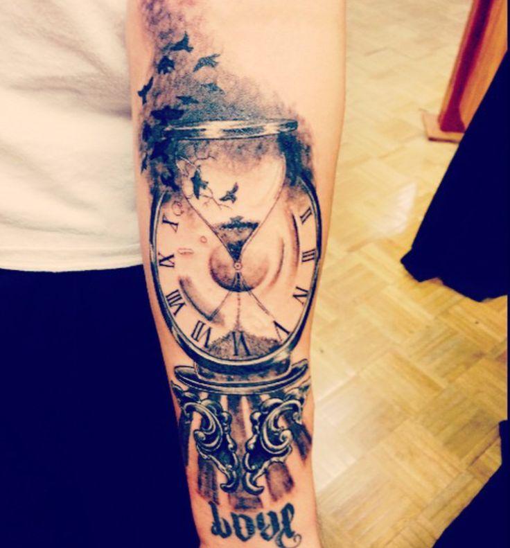 Die besten 25 tattoo sanduhr kompass ideen auf pinterest for Tattoo art club