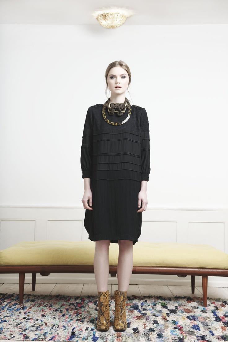 Rützou dotted black longsleeved dress