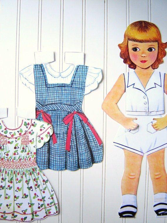 Paper Dolls are the Best!: Decor, Vintage Walls, Idea, Wall Hanging, Dresses Sets, Dolls Collection, Child Dolls Schools Rooms, Children, Vintage Paper Dolls