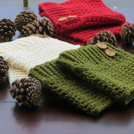 Make these lovely boot cuff along with a pair of matching mittens using free crochet patterns