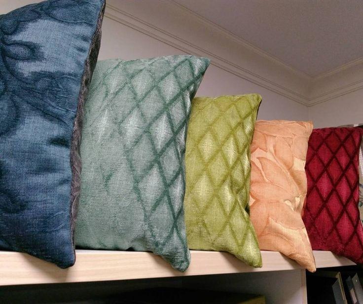 еще немного симпатичных подушек от @tweed96 из #ткани SPECTRUM #Galleria_Arben #подушки #pillows #fabric #шенилл #дизайнинтерьера #уют
