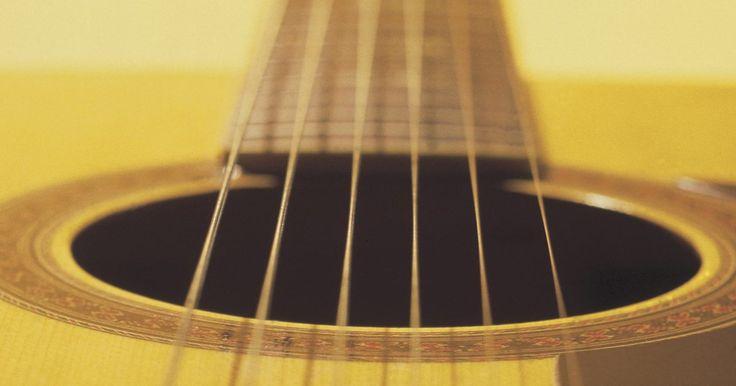 Pregunta sobre reparaciones de una guitarra: ¿qué hacer si el puente se está levantando?. Los puentes de guitarra se levantan de la parte superior del instrumento por varias razones. Dejar una guitarra en un ambiente caliente puede causar que el pegamento se derrita, se seque y se salga. El pegamento seco se vuelve quebradizo y la alta tensión de las cuerdas rompe el sello del mismo. Las causas internas, como abrazaderas malas o rotas, ...