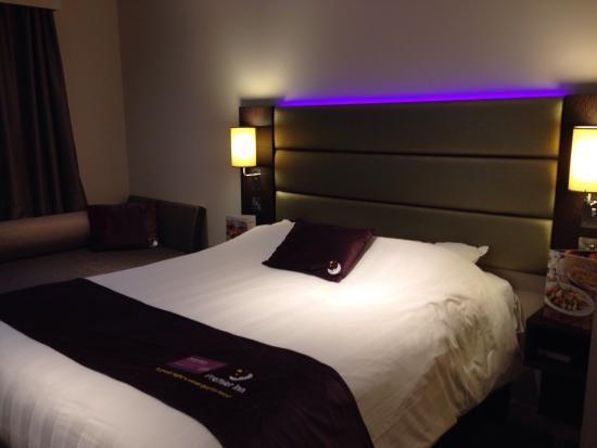 premier inn leek bedroom | Premier Inn Leek Town Centre Hotel: Love our room. Modern and spacious ...