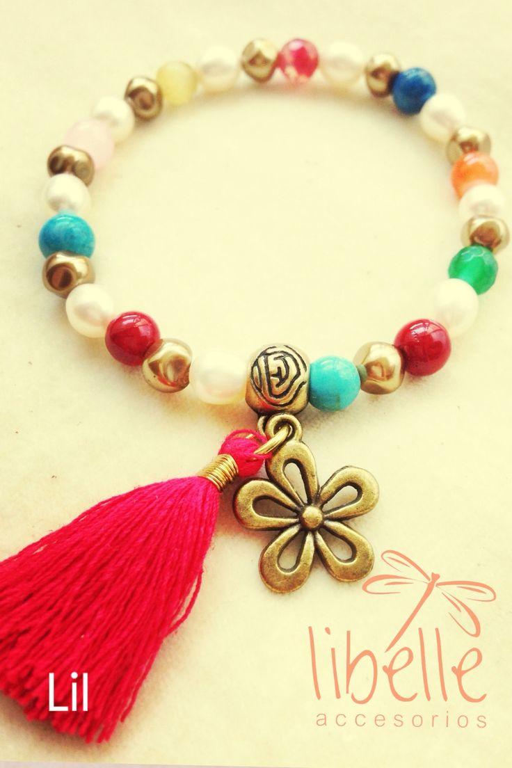 Pulseras de colores con mota roja y flor de bimetal
