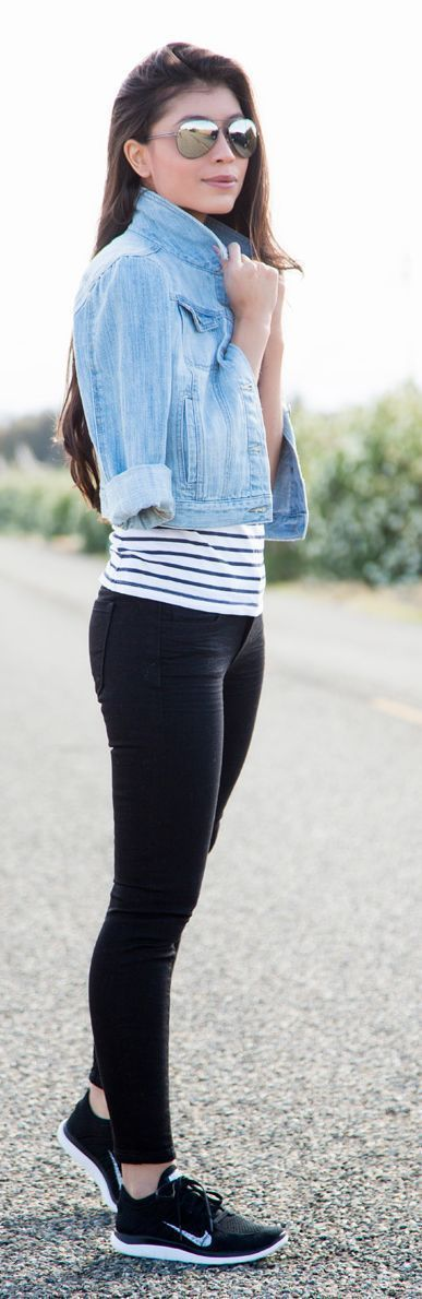 Striped top, denim blazer, black skinny pants and sneakers. | Spring Style