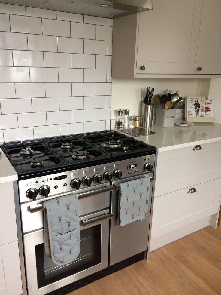 Kitchen renovation with Howdens units, Quartz worktops, Rangemaster oven and Amtico flooring.