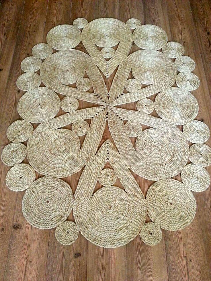 Коврик выполнен из джутовой веревки. Украшение вашего дома и интерьера