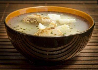 Esta sopa es un plato fuerte de la gastronomía panameña, su acompañamiento principal es el arroz blanco. Es servido como revitalizante en el almuerzo, después del trabajo fuerte o grandes parrandas