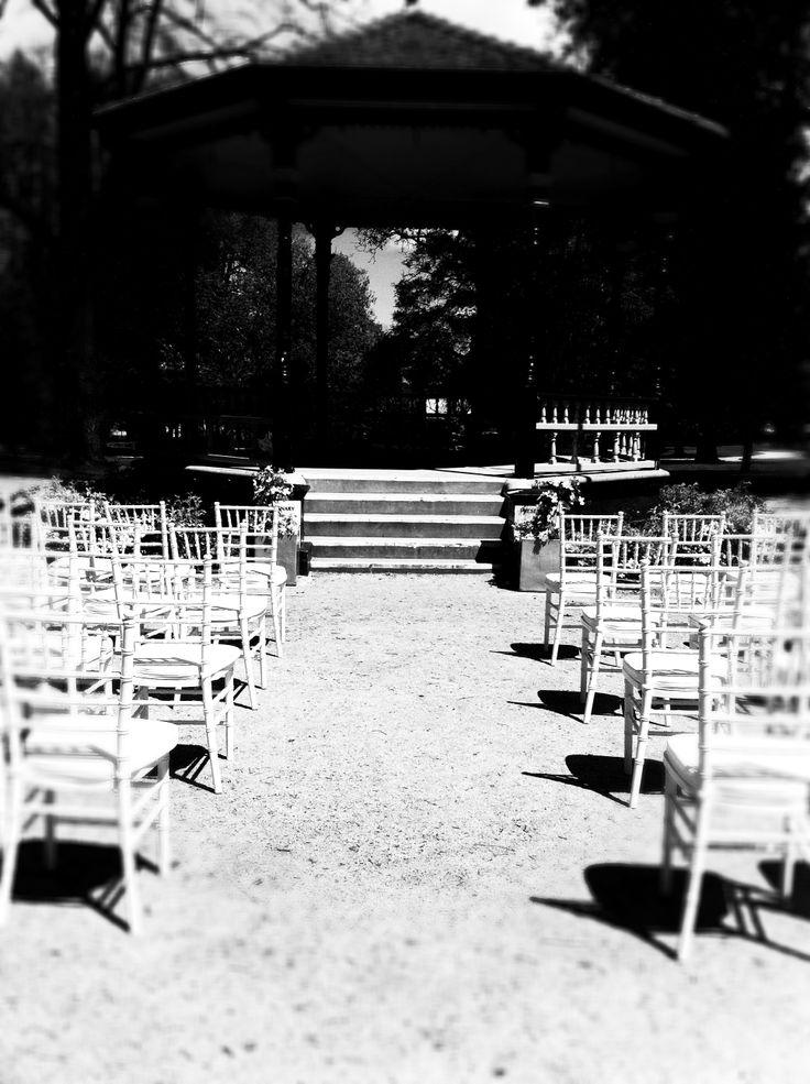 Cook Park, Orange. Tiffany chairs
