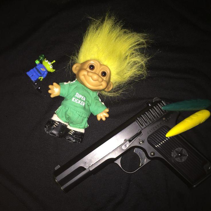 Troll doll gun