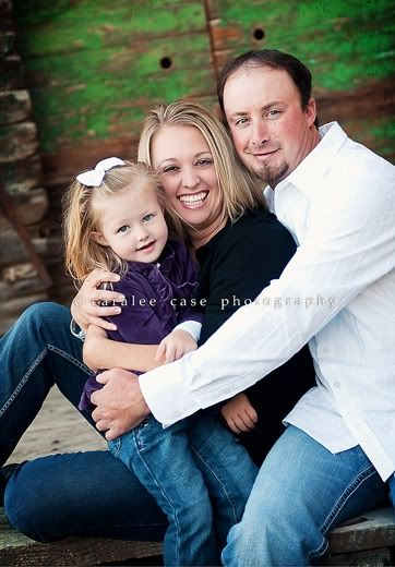 family of 3 picture poses | Family pose | Kids and Family photo session ideas