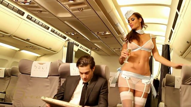 """Découvrez le """"Costume Hôtesse de l'Air Première Classe"""" de Baci sur http://www.espaceplaisir.fr/deguisements-sexy/1979-costume-hotesse-de-l-air-premiere-baci-classe-4890808122273.html"""