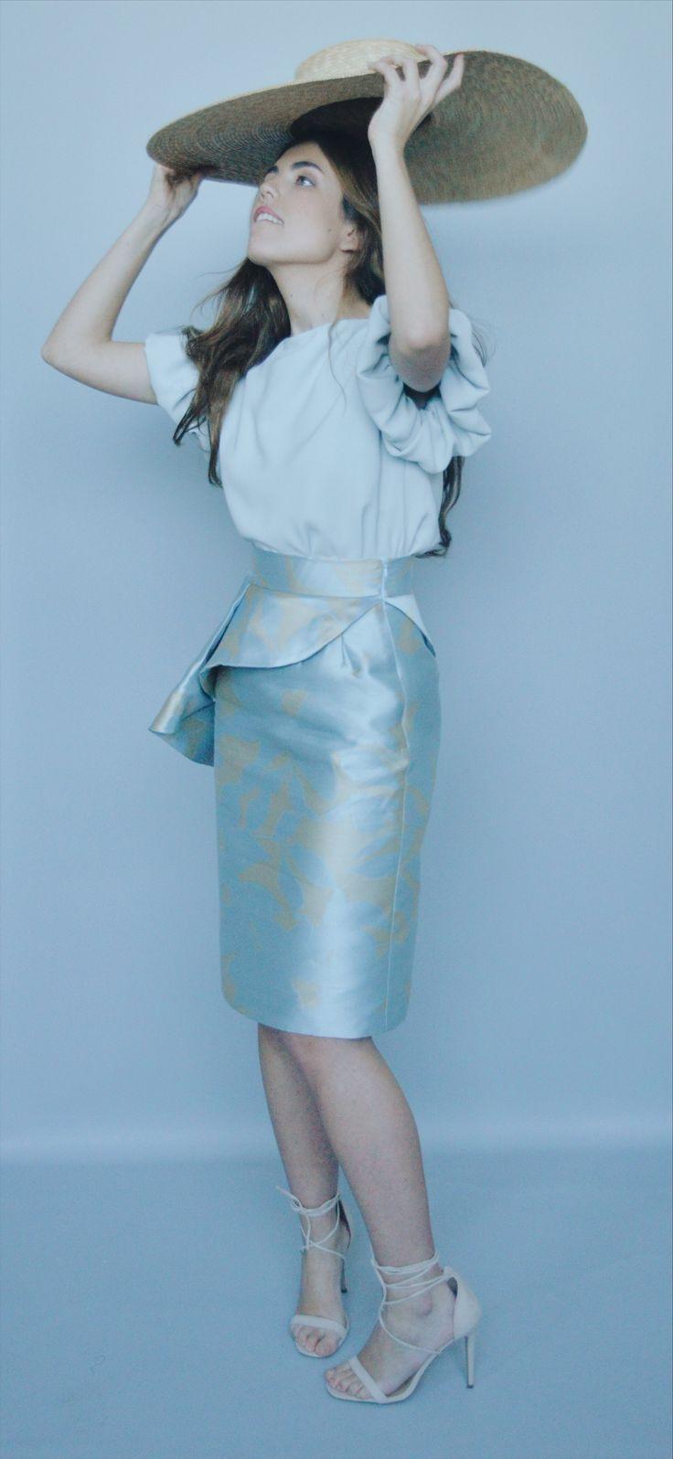 Jacquard skirt,falda tubo con volante,blusa crepé ,fashion for espcial events,bridals,invitadas boda