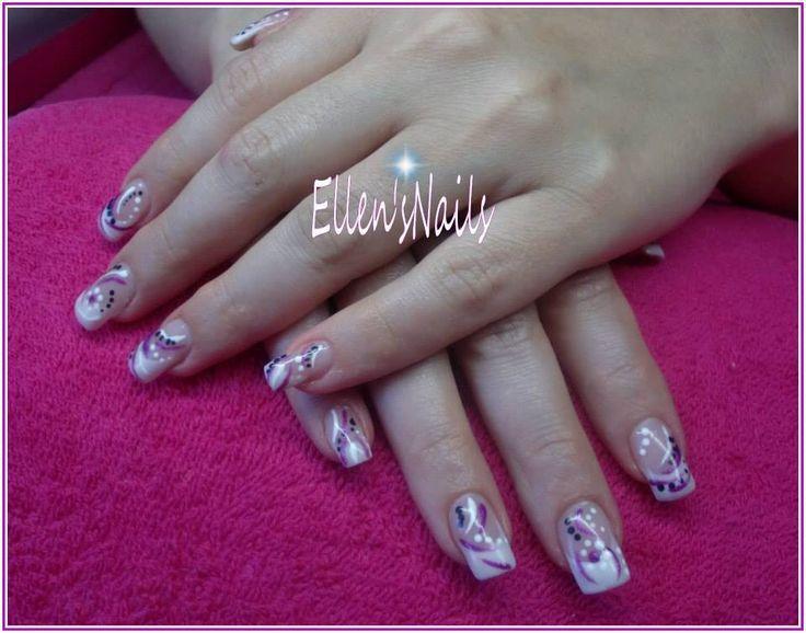 French manicure met stripes en dots in wit, zwart en een paarse glitter