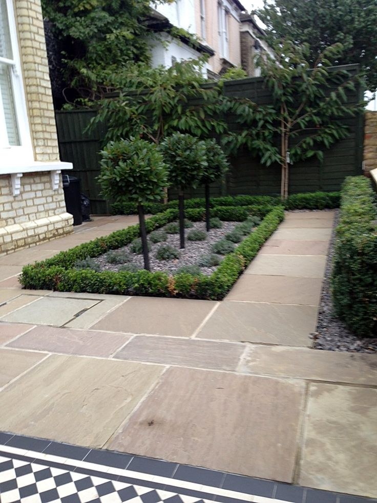 formal front garden london contact anewgarden for more information - Garden Ideas London
