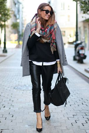 outfit tartan scarf black leather pants fashion plaid - geruite sjaal zwarte leren broek dragen