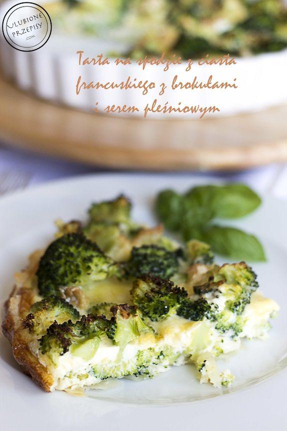 Tarta na spodzie z ciasta francuskiego z brokułami i serem pleśniowym. Pychotka http://ulubioneprzepisy.com/2014/09/24/tarta-brokulowa-serem-plesniowym-spodzie-ciasta-francuskiego/ #tarta #obiadnapiatek
