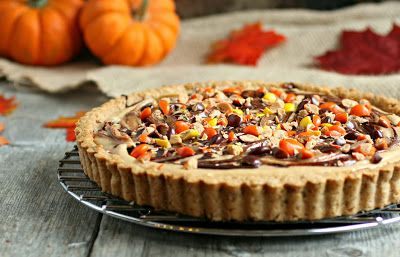 Hungry Couple: Reese's PB&C Pretzel Crust Pie #holidayfoodparty