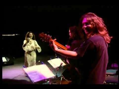 Ara Dinkjian & Eleftheria Arvanitaki- Η βάρκα - YouTube