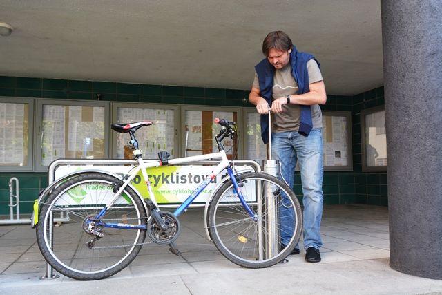 hradec kralové stojany na kola - Hledat Googlem