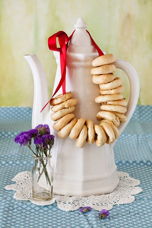 "Russian Monday: ""Sushki"" - Sweet Tea Bread, Baked Crunchy Round Snacks at Cooking Melangery"