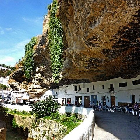 Of all the interesting places I've been Setenil de las Bodegas is definitely near the top of that list! #setenil #setenildelasbodegas #spain #andalucia #andalusia