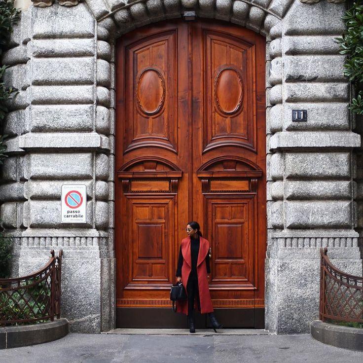 Godmorgon allihopa! Jag heter @salemindrias och kommer att ta över @justfab_se instagram konto idag! Just nu befinner jag mig i Milano och ni kommer att följa med mig på mina äventyr
