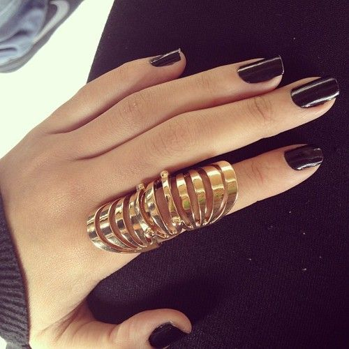 Black Nails Gold Rings