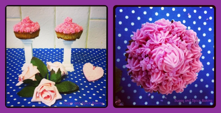 Apple Rhubarb Ginger Cupcakes with Vanilla Frosting Sugar and Spice ...