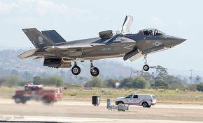 15年以上の開発を経て実戦配備が決定した最新鋭ステルス戦闘機「F-35」、その苦難の歴史まとめ - GIGAZINE