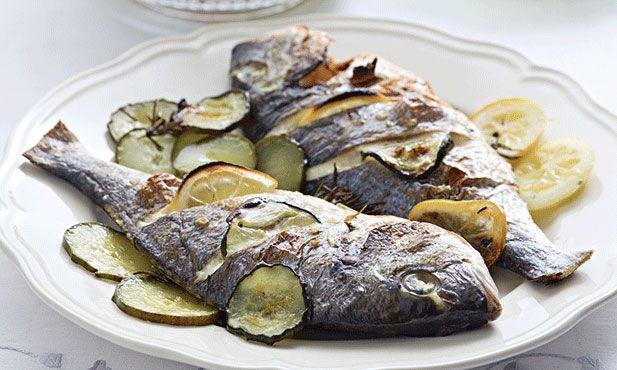 Douradas aromáticas no forno, embora não pareça é uma receita fácil e que sabe muito bem num jantar de fim-de-semana