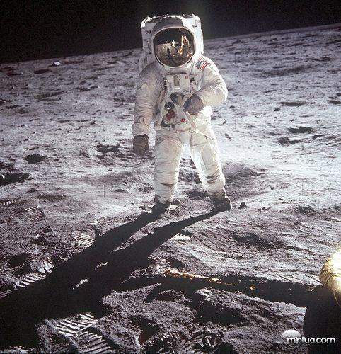 Pouso na Lua – julho de 1969.